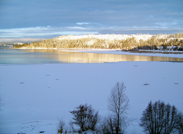 Harrison Idaho view of water in winter